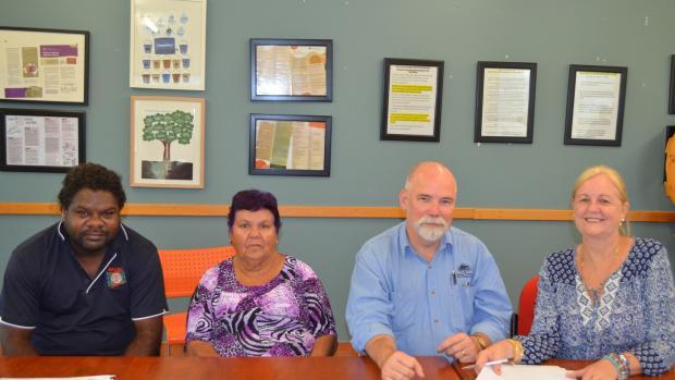 Signing the Binjari housing precinct lease