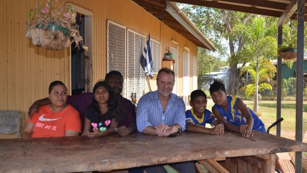Stanly Tipiloura and Viviana Wanambi and their family with Senator the Hon Nigel Scullion, Minister for Indigenous Affairs.
